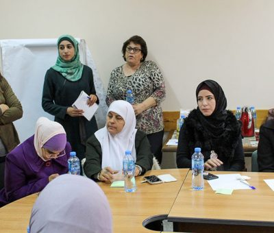 CDS holds a discussion and presentation of successful women's initiatives